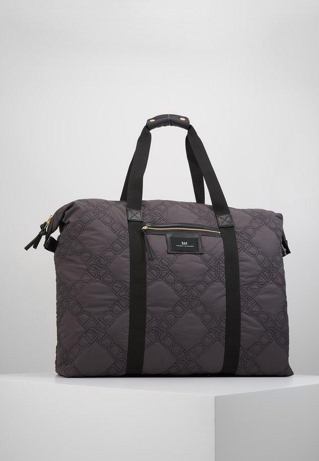 GWENETH CHAIN - Weekend bag - forged iron grey