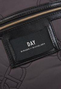 DAY Birger et Mikkelsen - GWENETH CHAIN - Weekendbag - forged iron grey - 2