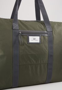 DAY Birger et Mikkelsen - GWENETH WEEKEND - Weekendbag - four leaf clover green - 2