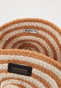 DAY Birger et Mikkelsen - DAY STRIPE - Across body bag - camel/beige - 4
