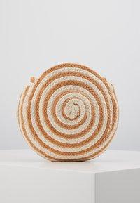 DAY Birger et Mikkelsen - DAY STRIPE - Across body bag - camel/beige - 3