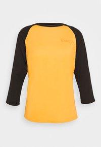 Dakine - WOMEN'S RAGLAN TECH - Funktionsshirt - golden glow - 4