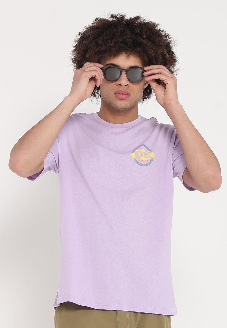 Dakine - CANNERY - T-Shirt print - lavendula