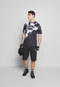 Dakine - THRILLIUM  - Print T-shirt - black/white - 1