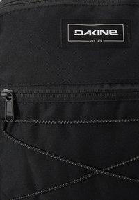 Dakine - PACK 18L - Reppu - black - 2