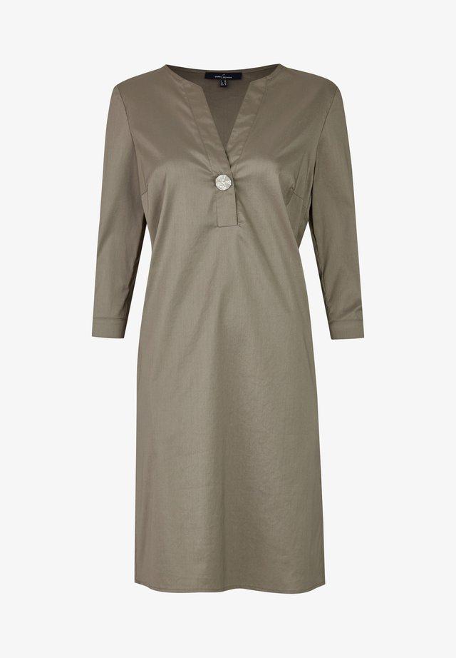 MIT TUNESISCHEM KRAGEN - Day dress - khaki
