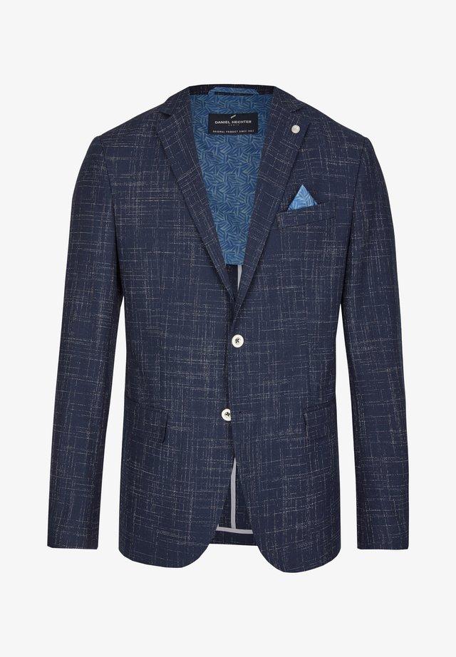 MIT GRAFISCHER MUSTERUNG - Blazer jacket - dark blue