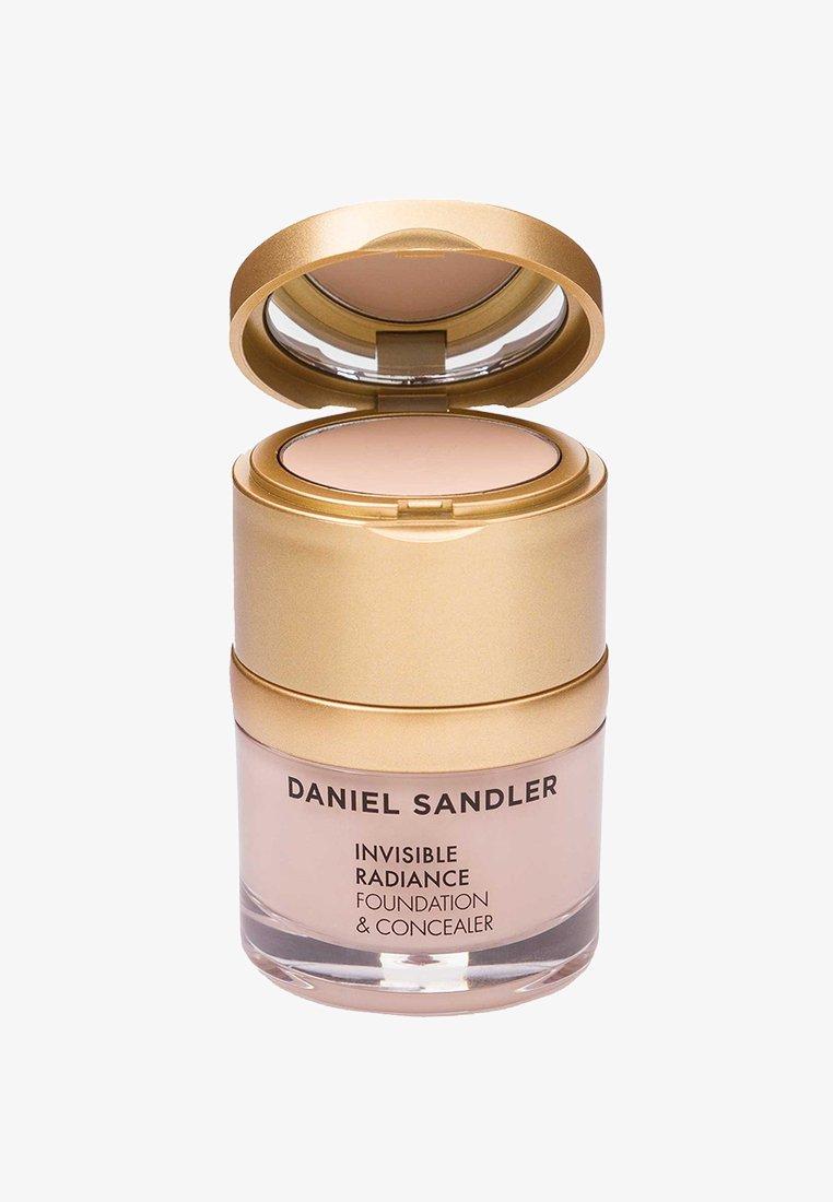 Daniel Sandler - INVISIBLE RADIANCE FOUNDATION - Fond de teint - porcelain