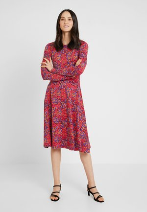SIGRID DRESS - Jerseykjoler - rust red berrygood