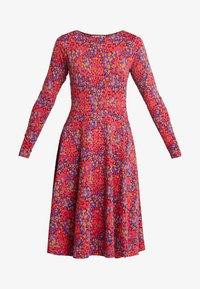 Danefæ København - SIGRID DRESS - Žerzejové šaty - rust red berrygood - 3