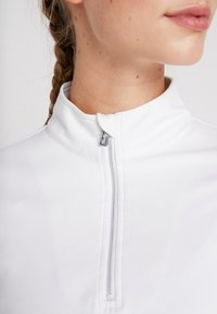 Daily Sports - ANNA - Langærmede T-shirts - white - 5