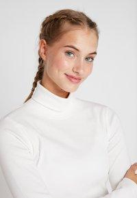 Daily Sports - MAGGIE ROLL NECK - Maglietta a manica lunga - white - 3
