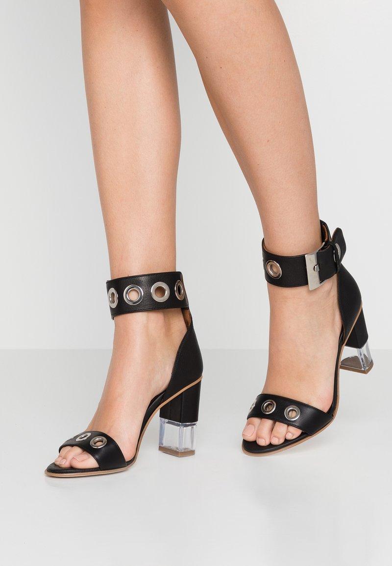 Day Time - SELENIX  - Højhælede sandaletter / Højhælede sandaler - matrix nero
