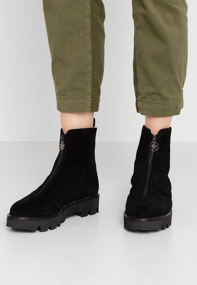 KALEY - Kotníkové boty na platformě - nero