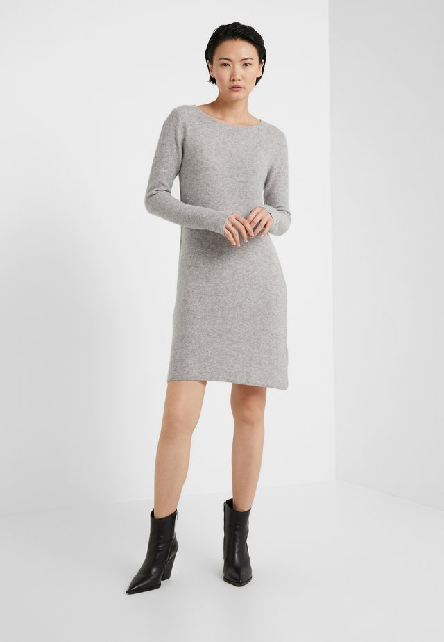 SIDE SLIT DRESS - Strikket kjole - light grey