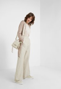 Davida Cashmere - POCKET LONG - Cardigan - sand - 1