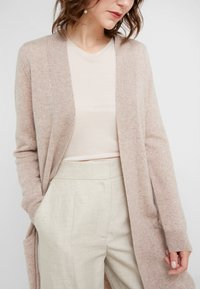 Davida Cashmere - POCKET LONG - Cardigan - sand - 5