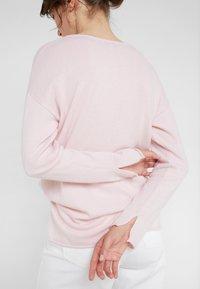 Davida Cashmere - NECK LONG - Stickad tröja - light pink - 6