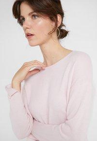 Davida Cashmere - NECK LONG - Stickad tröja - light pink - 4
