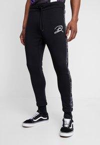 Daily Basis Studios - JAQUARD SIDE - Teplákové kalhoty - black - 0
