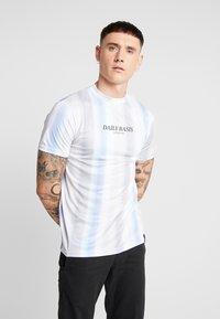 Daily Basis Studios - MULTI FADE STRIPE TEE - T-Shirt print - white - 0