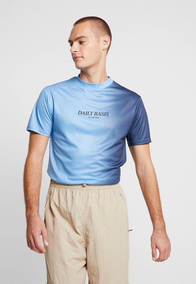 SIDE FADE TEE - T-shirt basic - navy/light blue