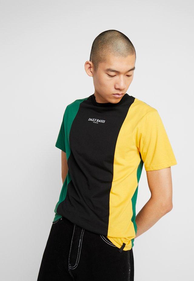 VERTICAL BLOCK TEE - T-shirt print - teal/black/mustard