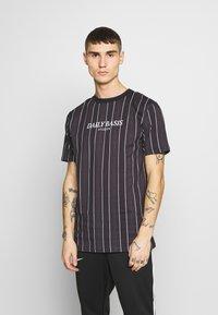 Daily Basis Studios - HOUNDSTOOTH STRIPE TEE - T-shirt print - black - 0
