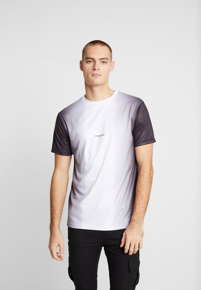 MIDDLE FADE TEE - T-shirt print - white
