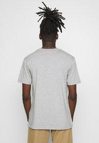 Daily Basis Studios - DAILY BASIS - T-shirt print - grey - 2