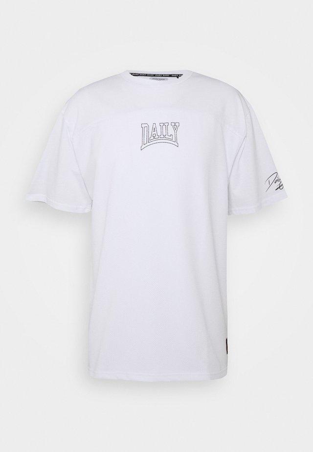 OVERSIZED US FOOTBALL - T-shirts print - white