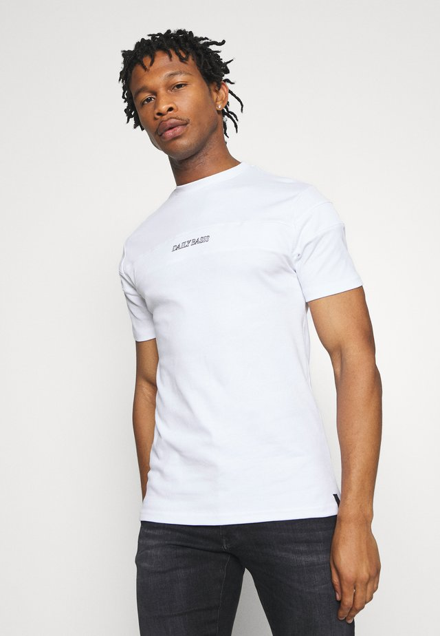 BLOCK - T-shirt med print - white