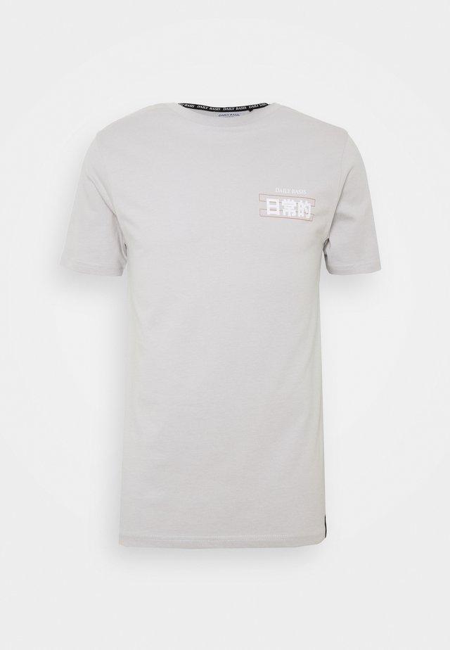 PLASTISOL  - T-shirts print - grey