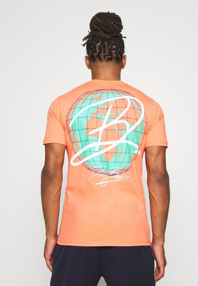 DAILY BASIS DIGITAL - T-shirt print - orange