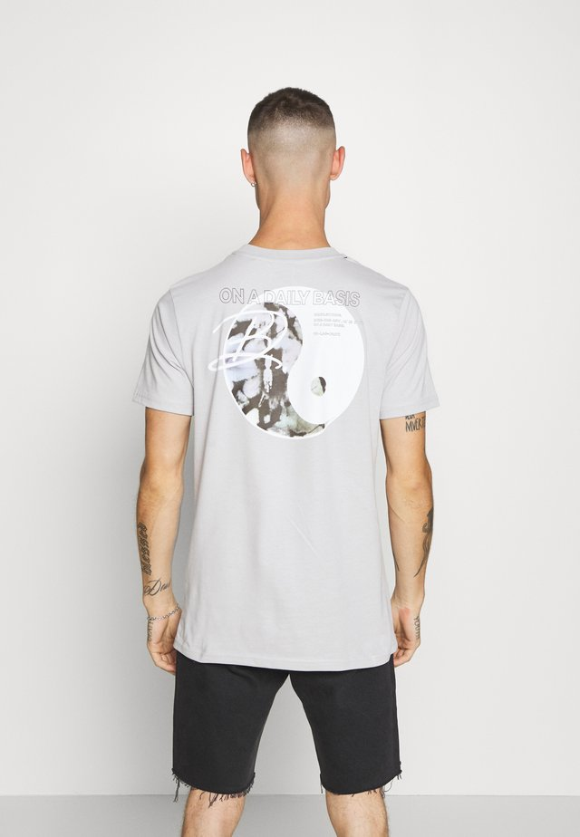 PEACE - T-shirt med print - grey