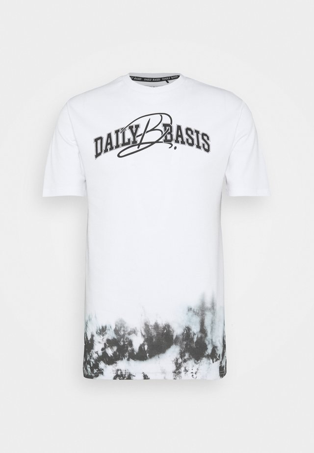 DAILY BASIS SIDE DYE - T-shirt z nadrukiem - white