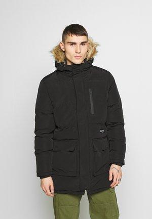 TRUE  - Zimní kabát - black