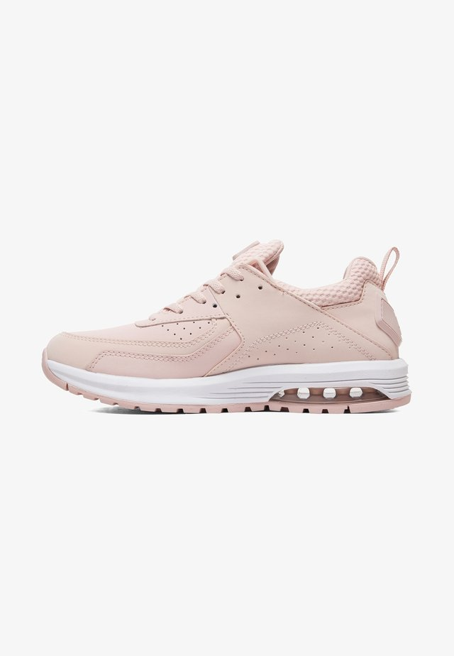 Trainers - peachie peach
