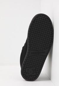 DC Shoes - COURT GRAFFIK SE - Skateboardové boty - black - 4