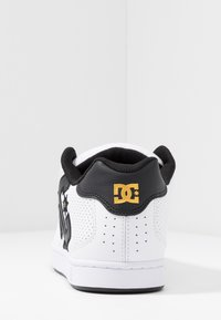 DC Shoes - NET - Skate shoes - white/gold - 3