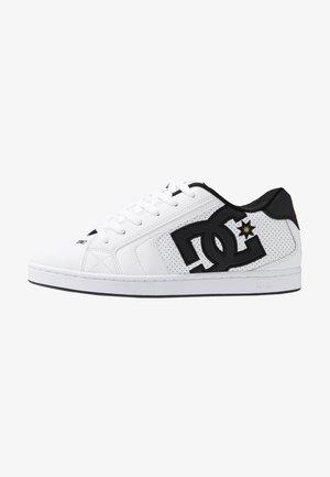 NET - Skate shoes - white/gold
