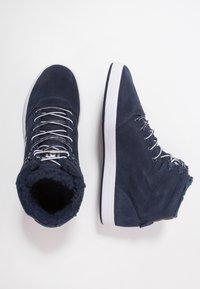 DC Shoes - CRISIS - Skateskor - navy/khaki - 1