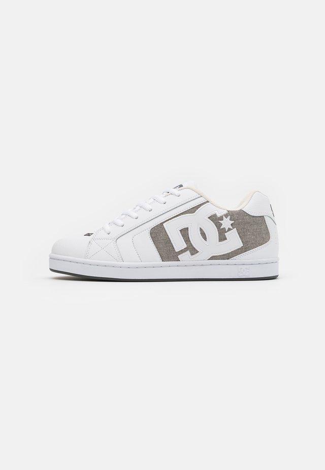 NET - Skate shoes - white/armor/white