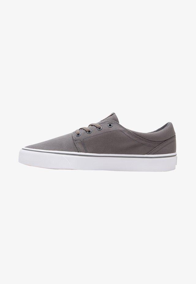 TRASE - Skateschuh - grey/orange/grey