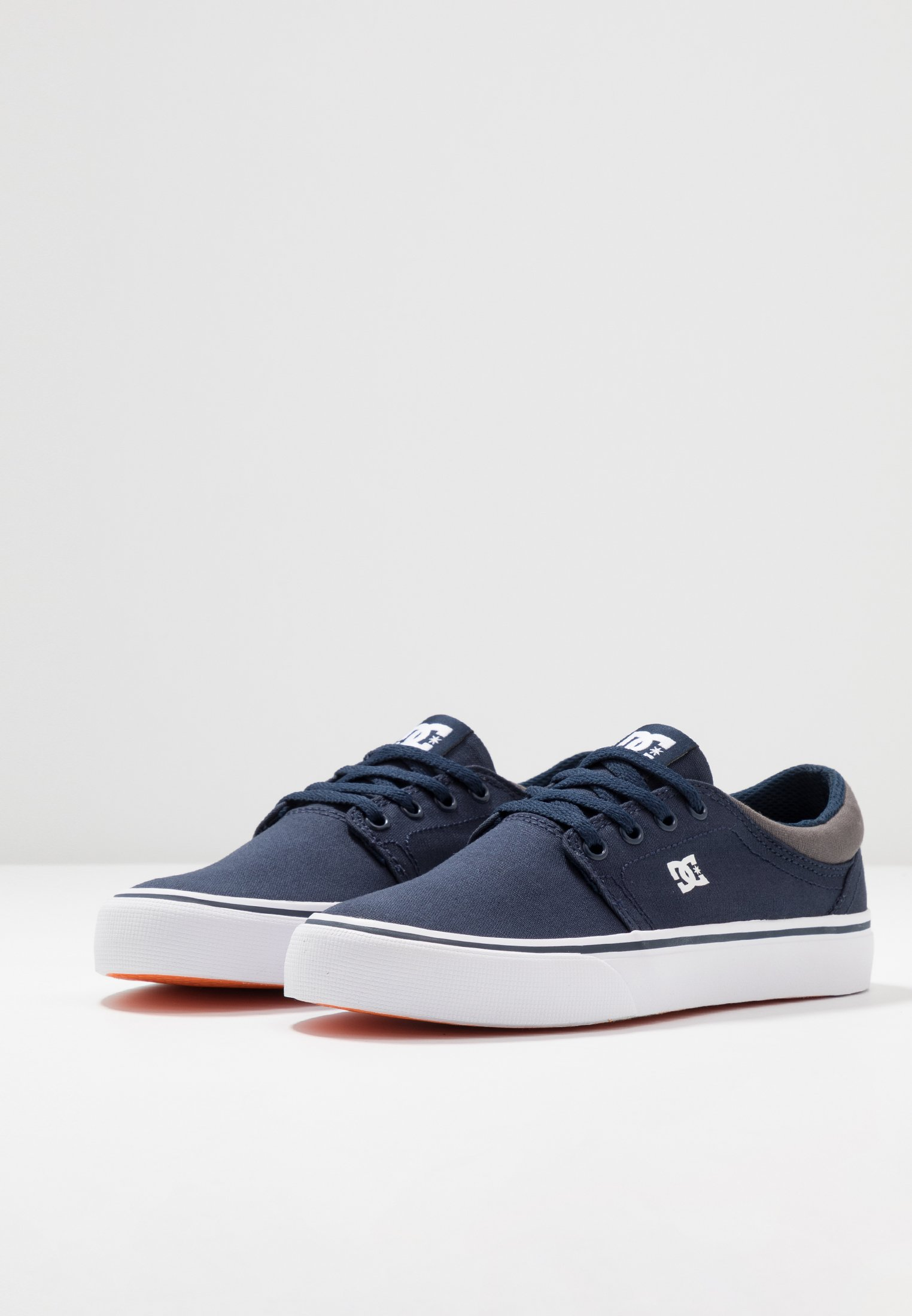 Shoes TRASEBaskets navy basses DC white TFlJ51uKc3