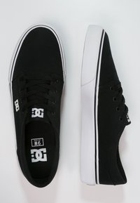 DC Shoes - TRASE - Skateskor - black/white - 1