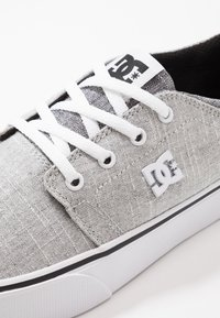 DC Shoes - TRASE SE - Joggesko - heather armor - 5