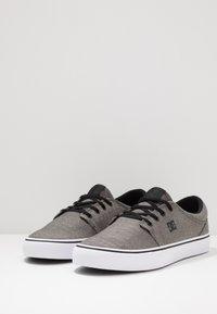 DC Shoes - TRASE SE - Zapatillas - black - 2
