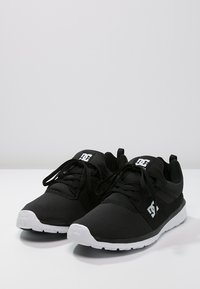 DC Shoes - HEATHROW - Trainers - black/white - 2