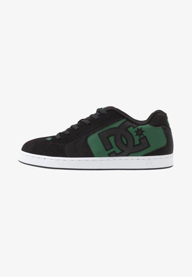 NET - Obuwie deskorolkowe - black/green